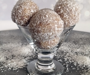 Raw Peppermint Snowballs
